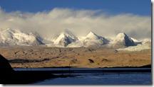Autour du lac Karakul, vue depuis le poste de police