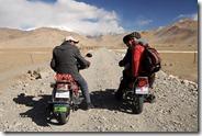 Un tour de moto a Karakul, pour une nuit chez l'habitant