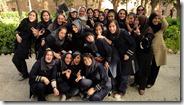 Kashan, Bagh-e Tarikhi-ye Fin, avec des étudiantes