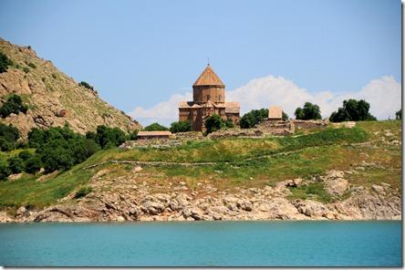 Première visite : l'église de la sainte Croix, Akdamar, île sur le lac de Van