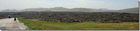 Descente du col, les coulées de lave pétrifiées